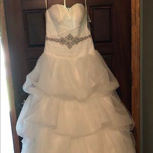 NWT-Oleg Cassini Tulle Tier Wedding Dress Sz 6